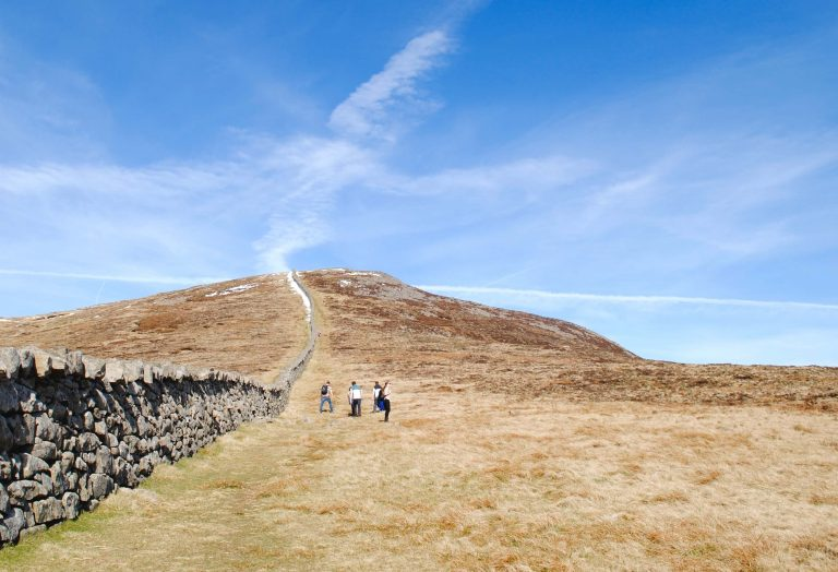 Hiking UK - a day hike in the Mourne Mountain, UK
