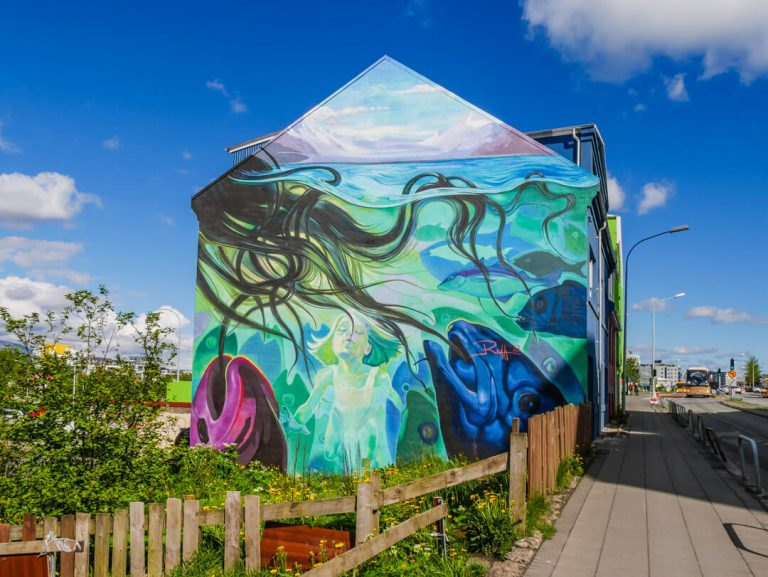 Free things to do in Reykjavik - Discovering the street art