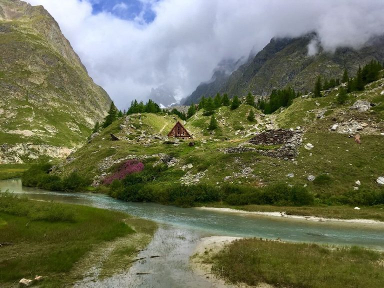 Tour du Mont Blanc - Italy - best hikes in Europe (1)
