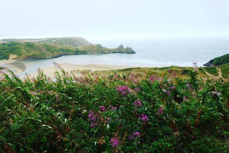 three-cliffs-bay-gower-peninsula-Best places in Wales-2